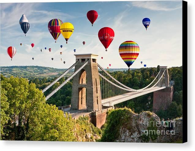 Iphone X Frame Wallpaper Bristol Balloon Fiesta Display Over Clifton Suspension