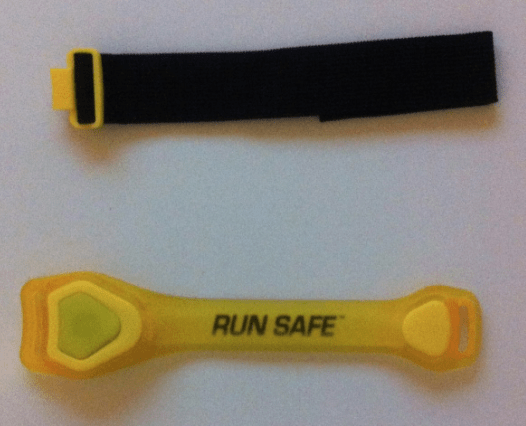 Running Verlichting Run Safe Led Sportarmband Van De Action - Ren Mama, Ren!