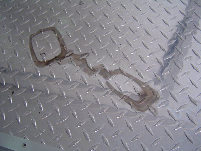 How To Clean Stain On Aluminum Diamond Plate ?? . . . (See Pics