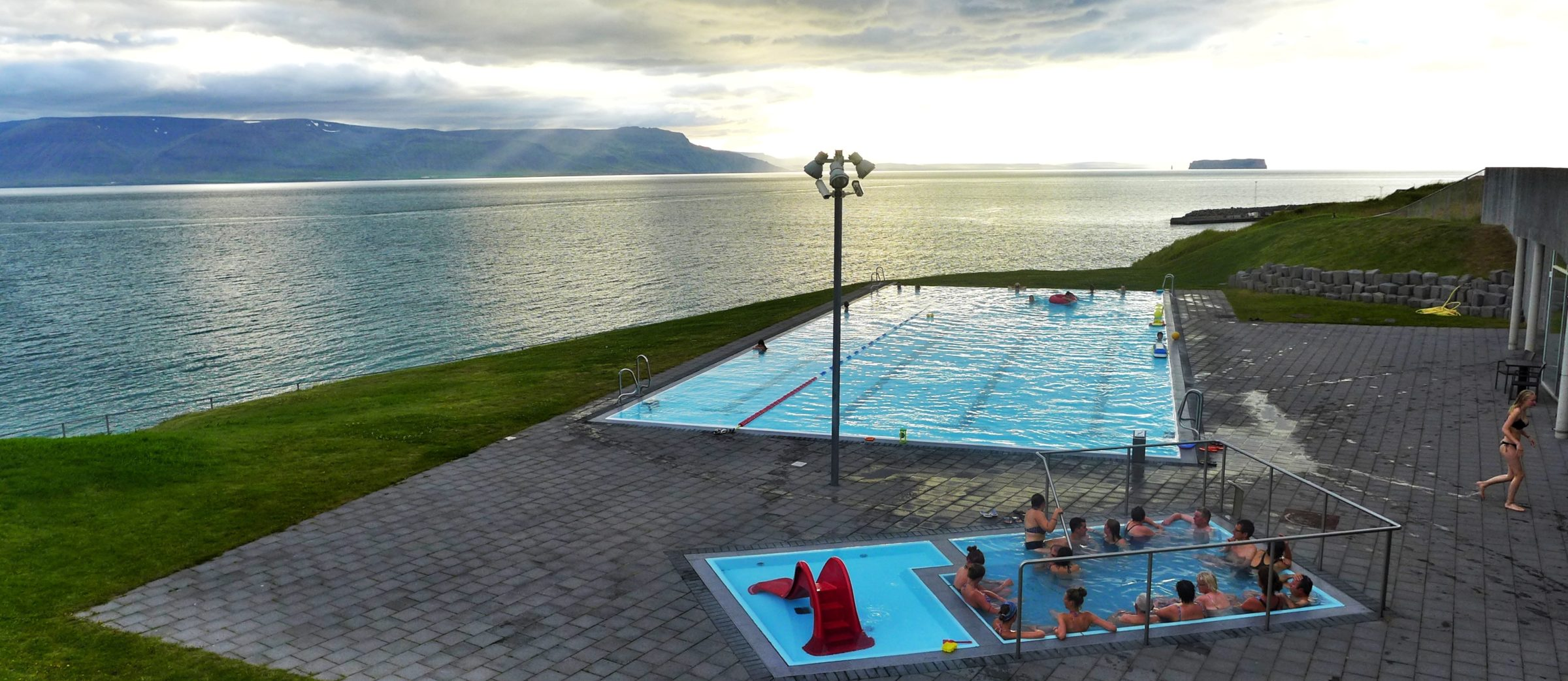 Jacuzzi Pool Preise Top 10 Swimming Pools In Iceland Rent Is