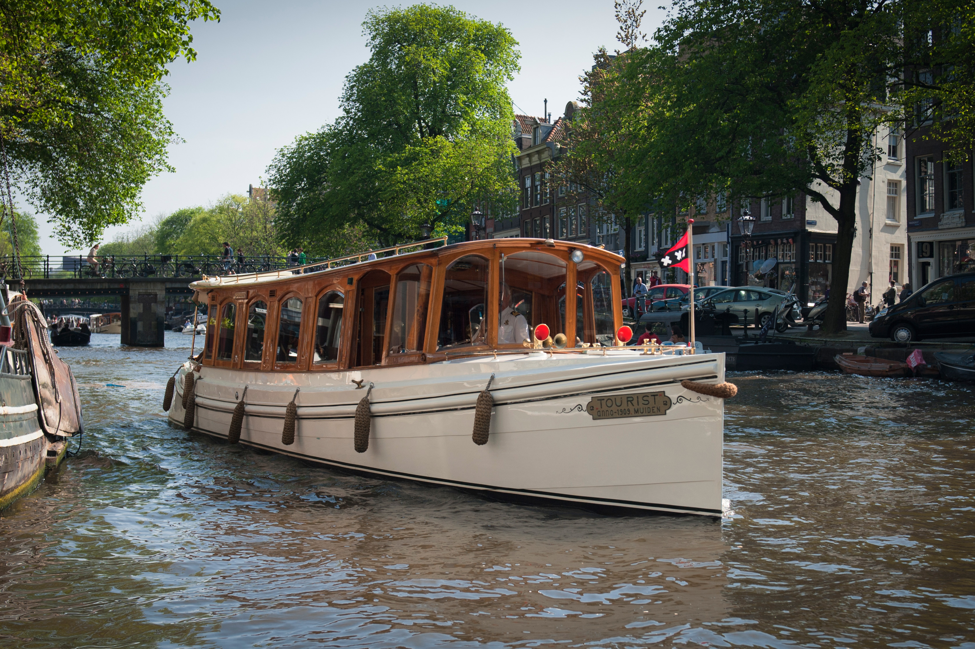 Rent A Boat Amsterdam Rent 12 Persons Canal Boat De Tourist Via Rent A Boat