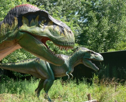 Dinosaurs Come to Life at Clyde Peeling's Reptiland