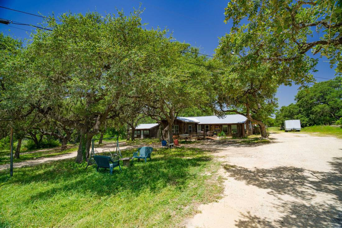 Farmhouse For Sale In Texas El Rancho Cima Hays County Ranch Sale Republic Ranches