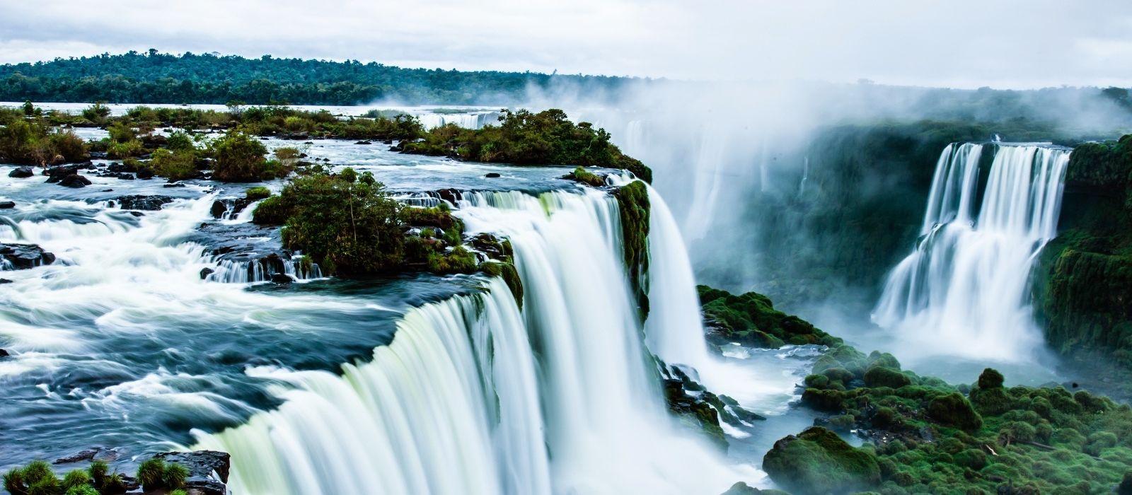 Fall Wallpaper Themes Iguaz 250 Falls The World S Largest Waterfalls Enchanting