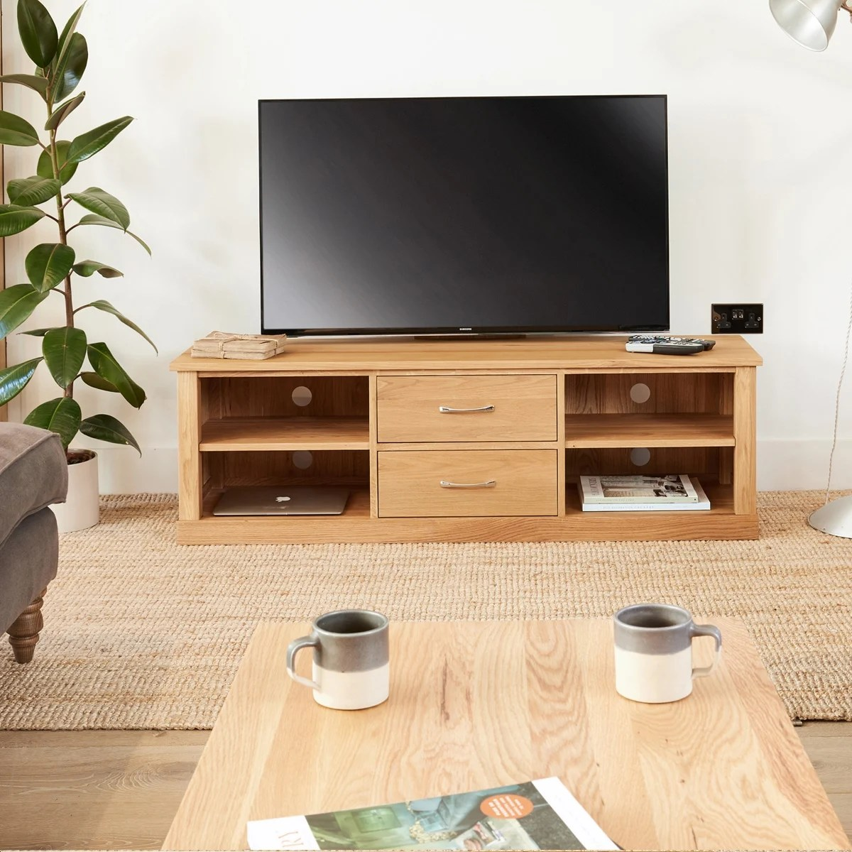 Cor Möbel Mobel Oak Mounted Widescreen Television Cabinet
