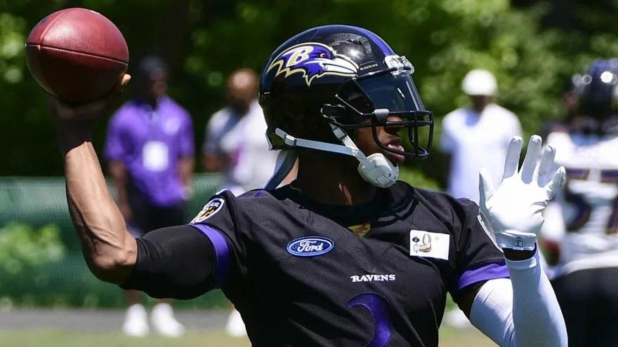 Robert Griffin III ahead of Lamar Jackson on Ravens depth chart