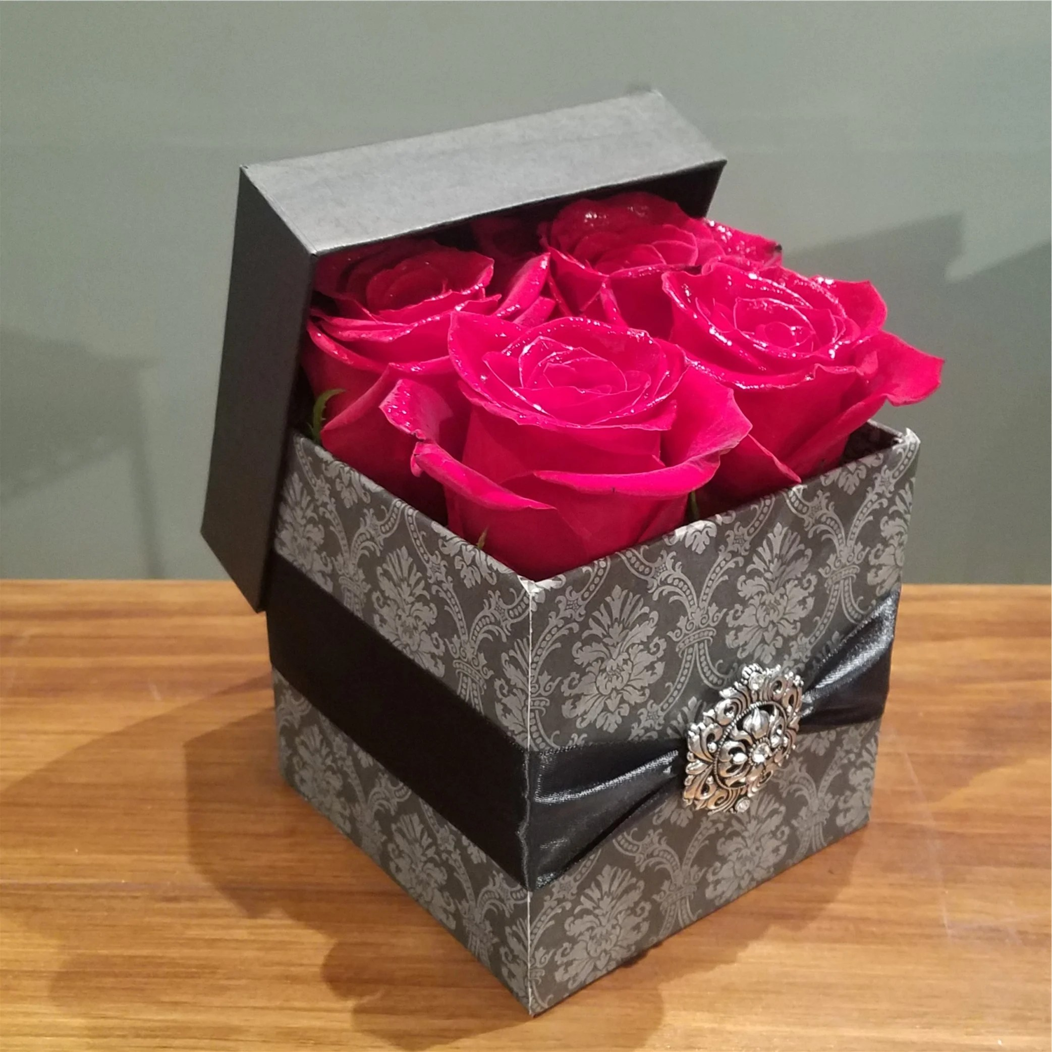 Gift Box Gothic Gift Box In Reds In Staten Island Ny Wicked Florist Nyc