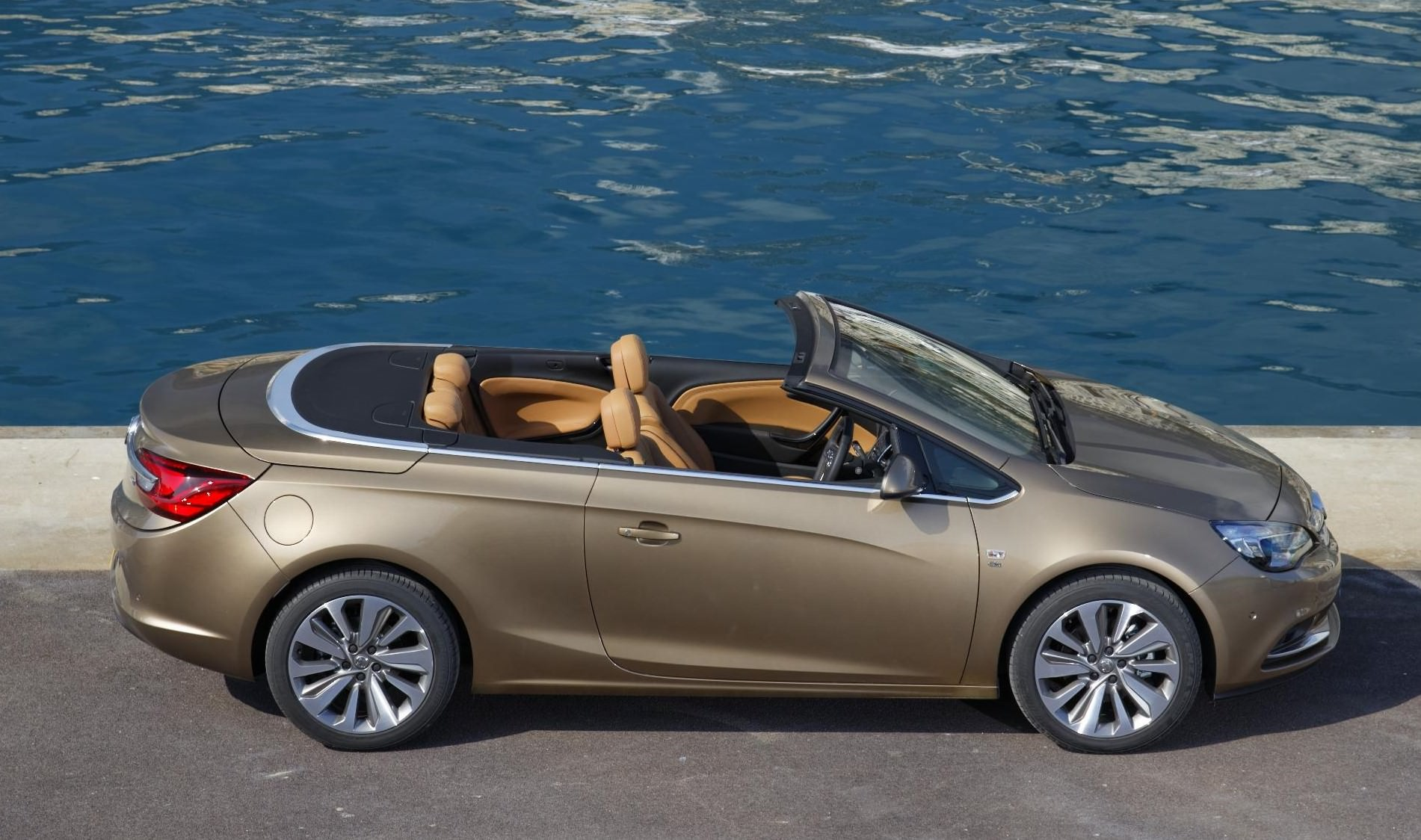Buy Cars In Uk Summer Fun Five Of The Best Used Convertible Cars To Buy