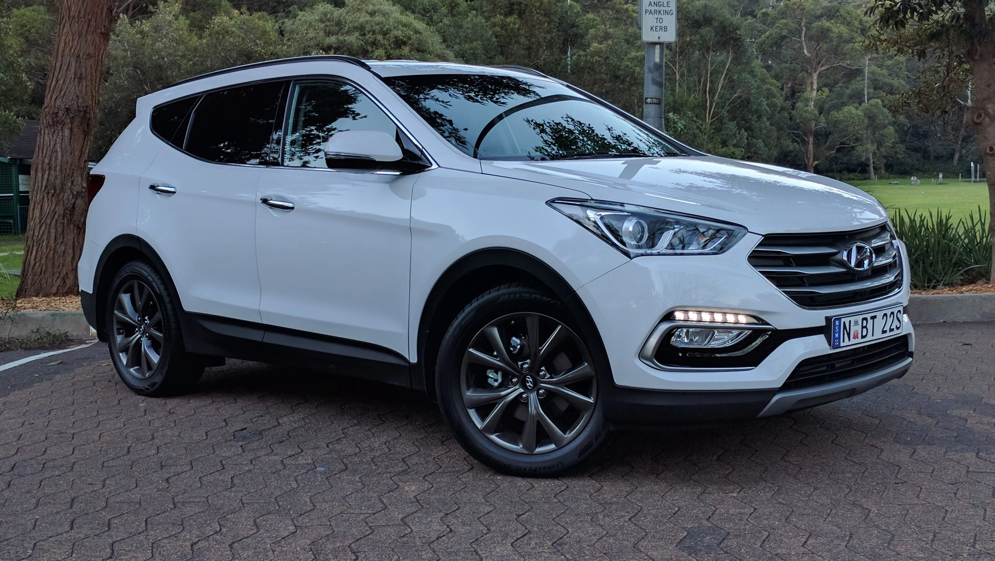 Hyundai Santa Fee Hyundai Santa Fe Active X 2017 Review Weekend Test