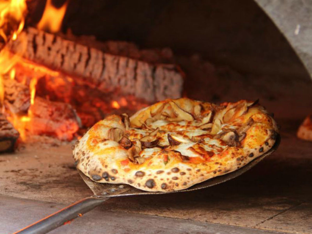 Restaurant Pizza New Restaurant Introduces Innovative Brazilian Style Pizza To