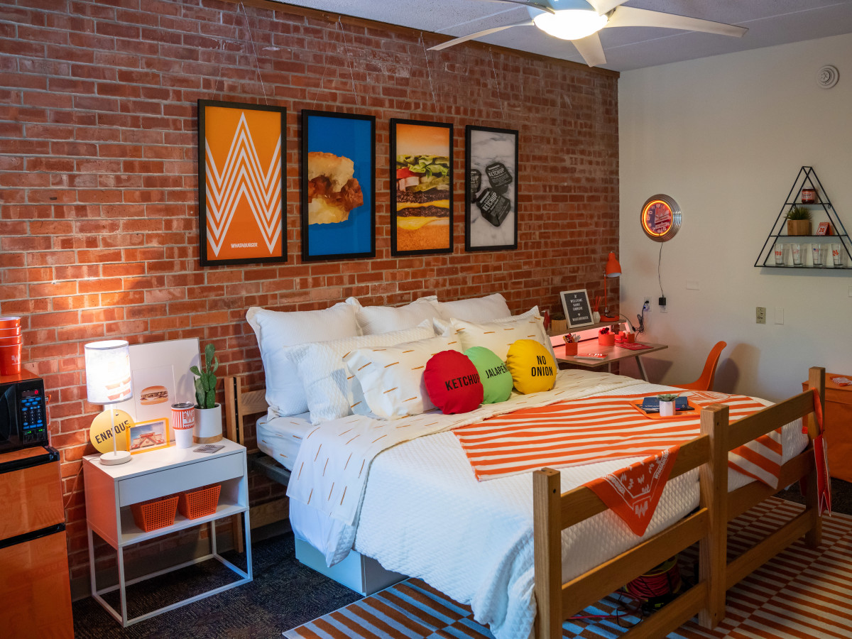 Travel Themed Dorm Room Whataburger Cooks Up Restaurant Themed Dorm Room For Texas
