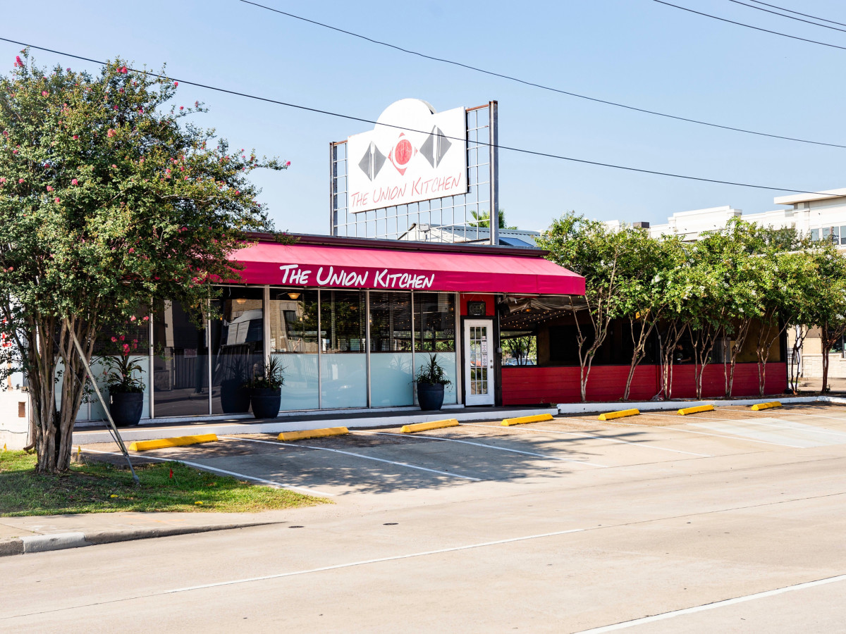 Outdoor Living Northside Popular Houston Restaurant Serves Up Sunny New Northside Location