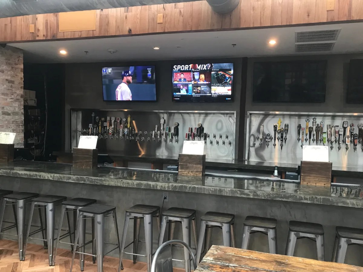 Sneak Peek Heights Bier Garten Gives Equal Time To Craft - Garten Bar