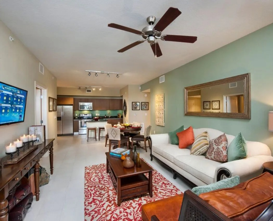 Upscale Ceiling Fan Luxury 1 2 3 Bedroom Apartments In Miami Fl