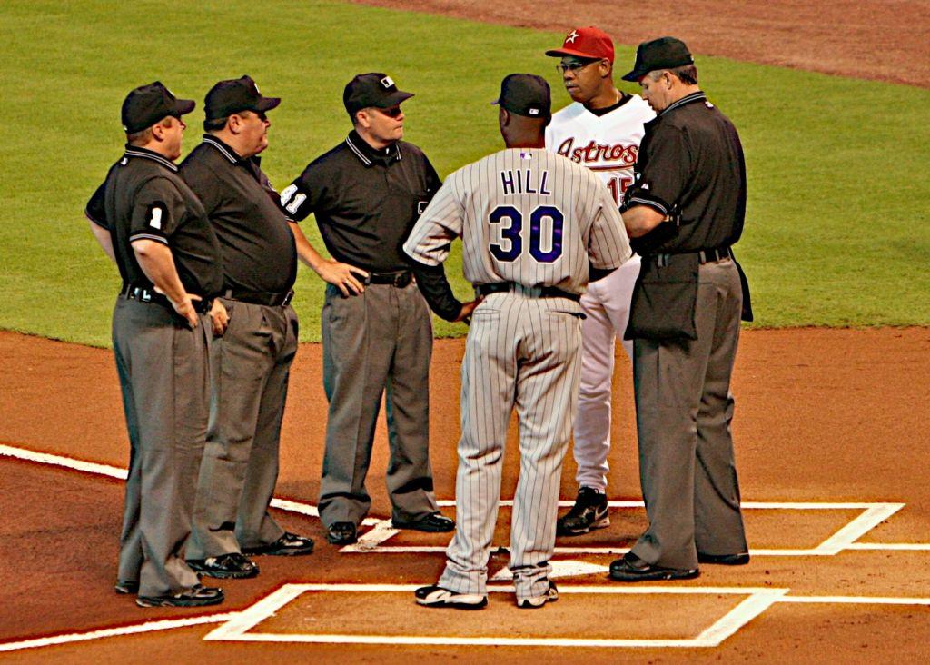 Glenallen<em>Hill,</em>Cecil<em>Cooper,</em>umpires