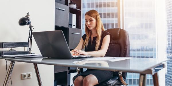 What does an Executive Assistant do? \u2010 CareerExplorer