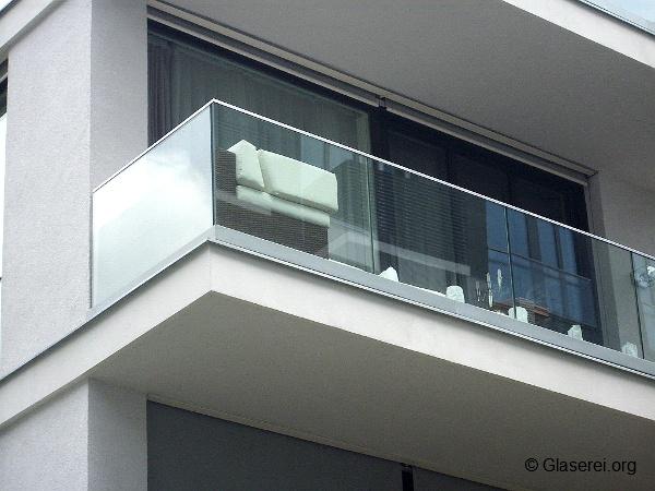 Balkongelander Glas Sorgt Fur Sicherheit Ungestorte