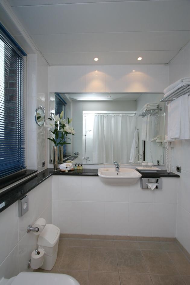 Crowne Plaza Hamburg - City Alster Hotel (Hamburg) from £63 - aussen alster hotel