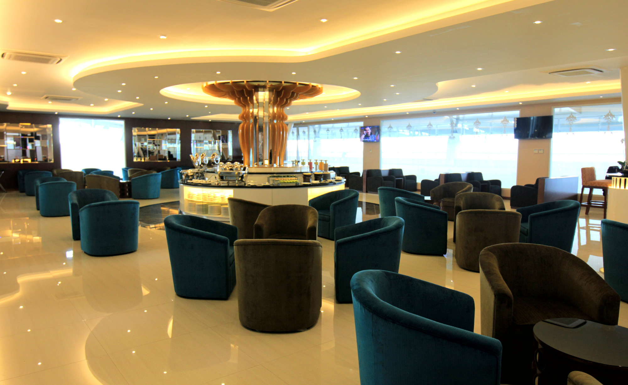 Blue Lounge Sub Concordia Blue Sky Premium Lounge Reviews Photos Terminal