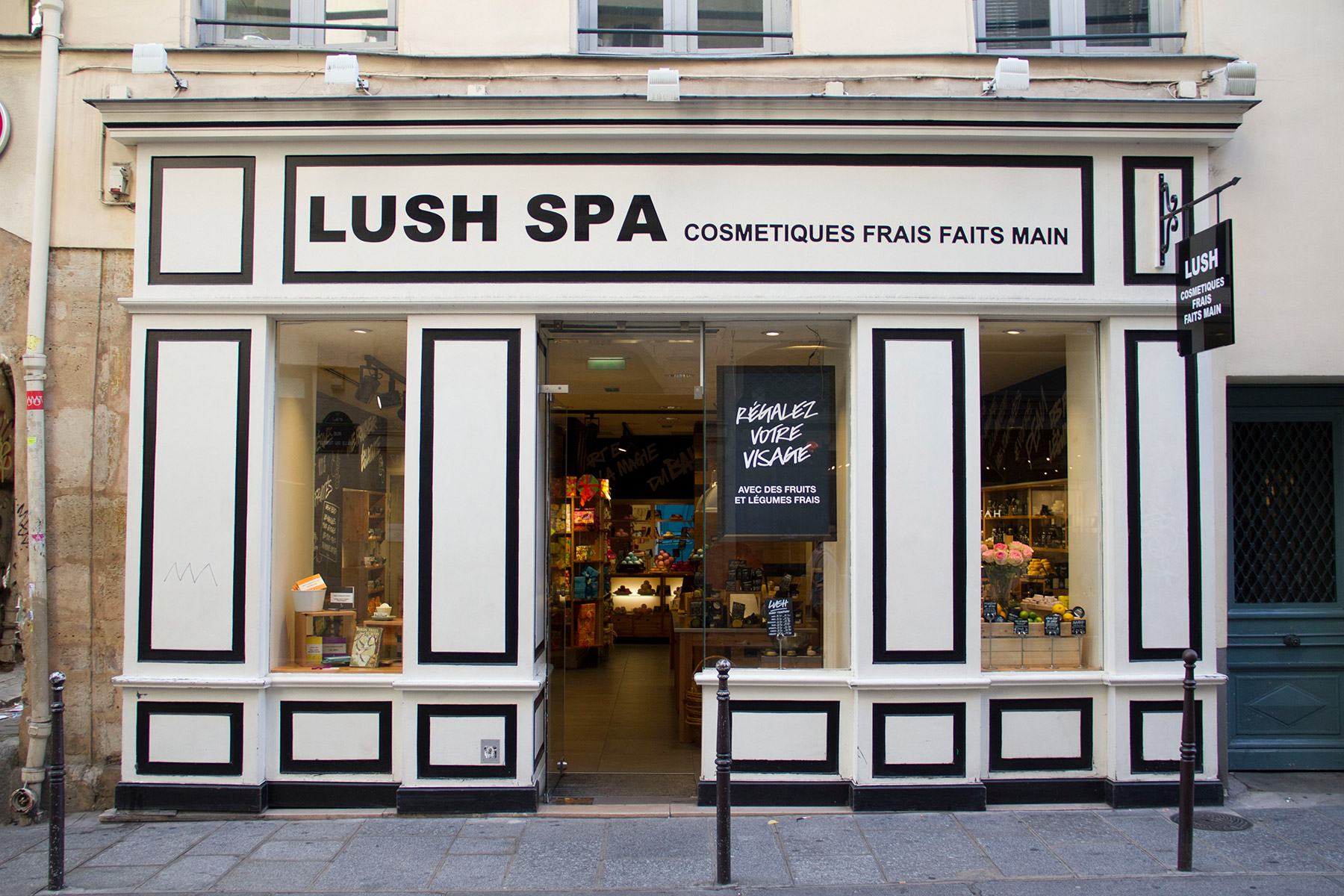 Salon Vintage Paris Lush Spa Lush France