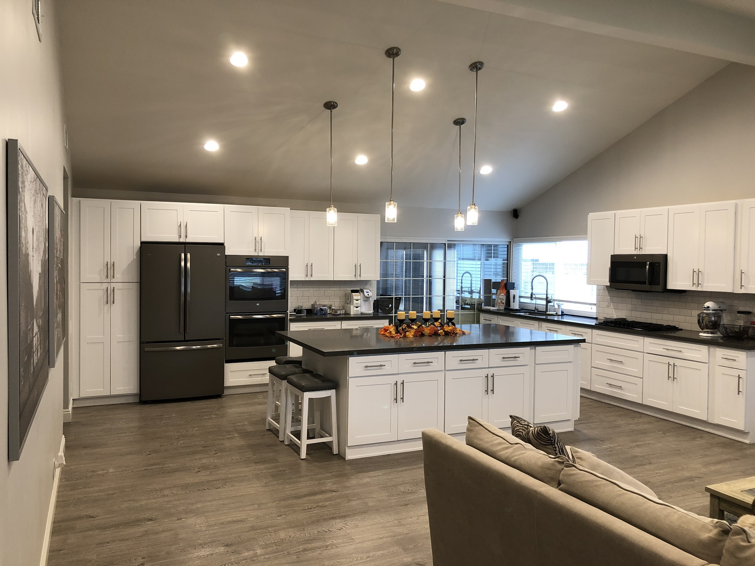 Modern Kitchen Appliances Modern Kitchen And Living Room In Simi Valley