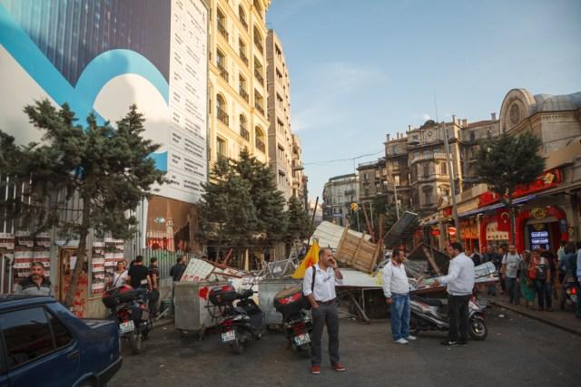 Баррикады возле парка Таксим-Гези, площадь Таксим, Стамбул