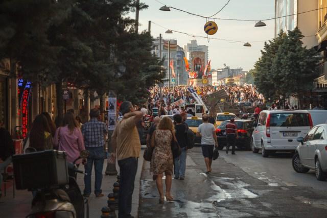 Демонстрации на площади Таксим, рядом с парком Таксим-Гези, Стамбул