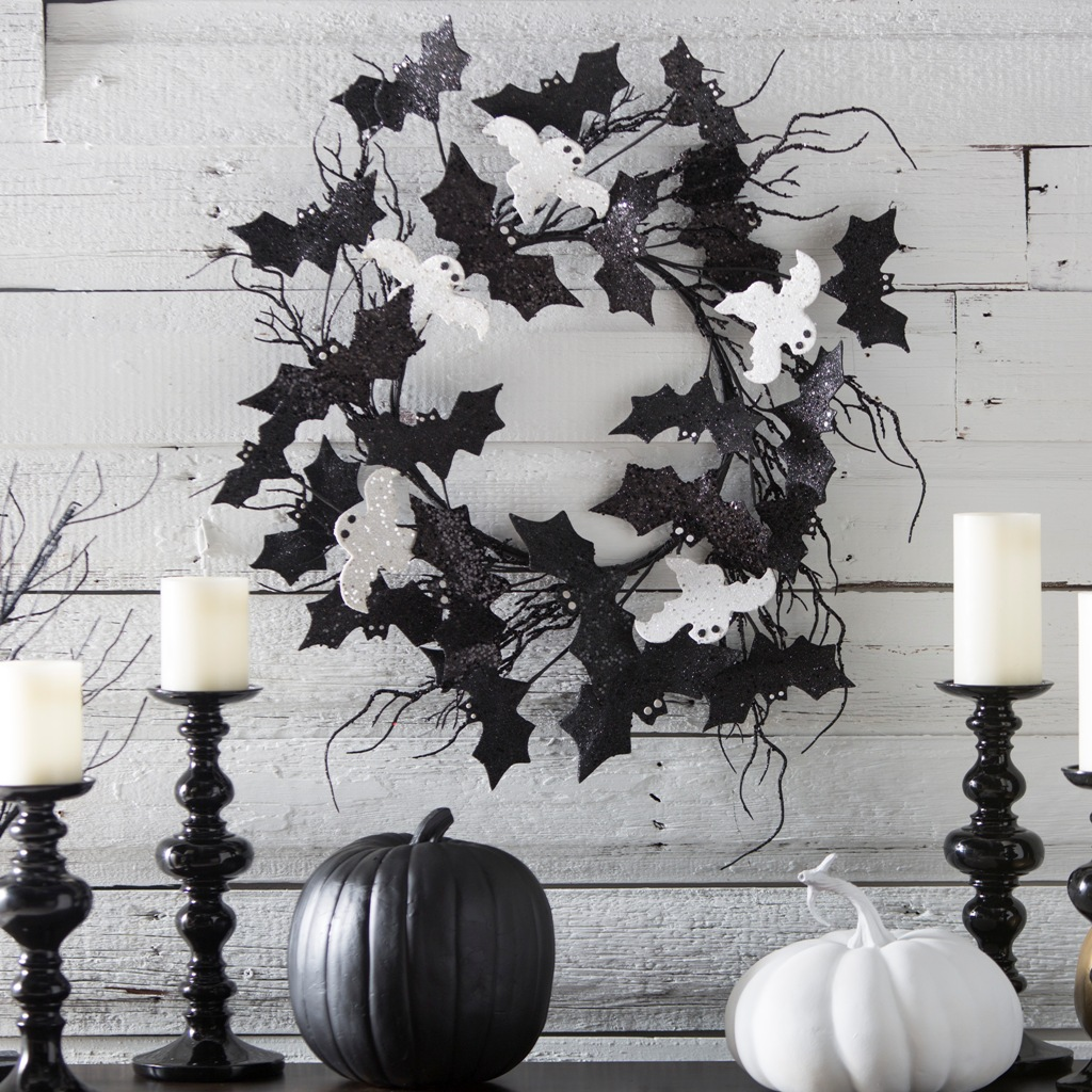 Black White Decor 31 Ideas For Stylish Black And White Halloween Decorations