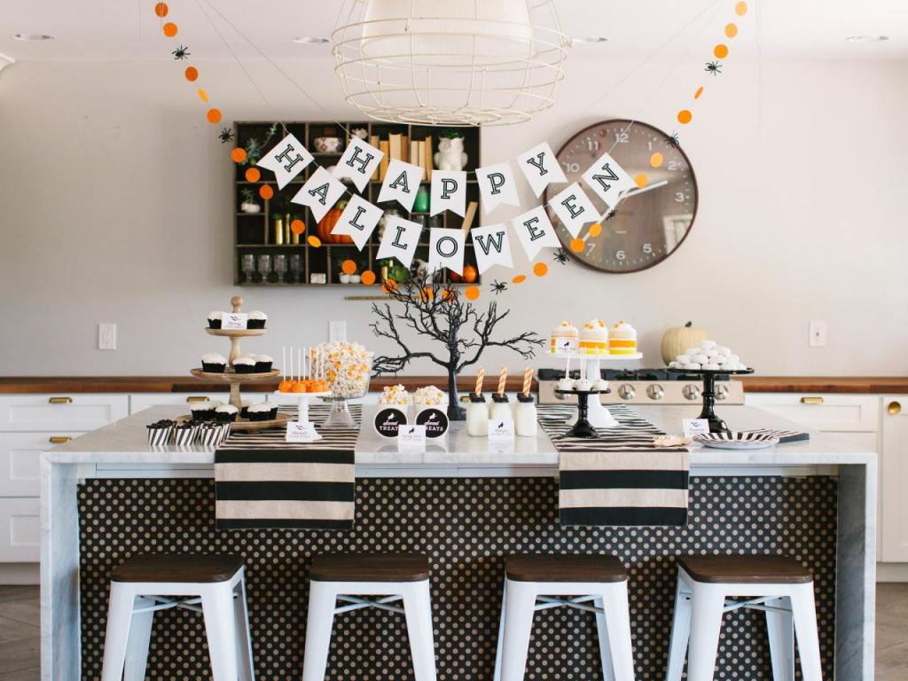21 Funny Cute Ideas For Halloween Table Decorations