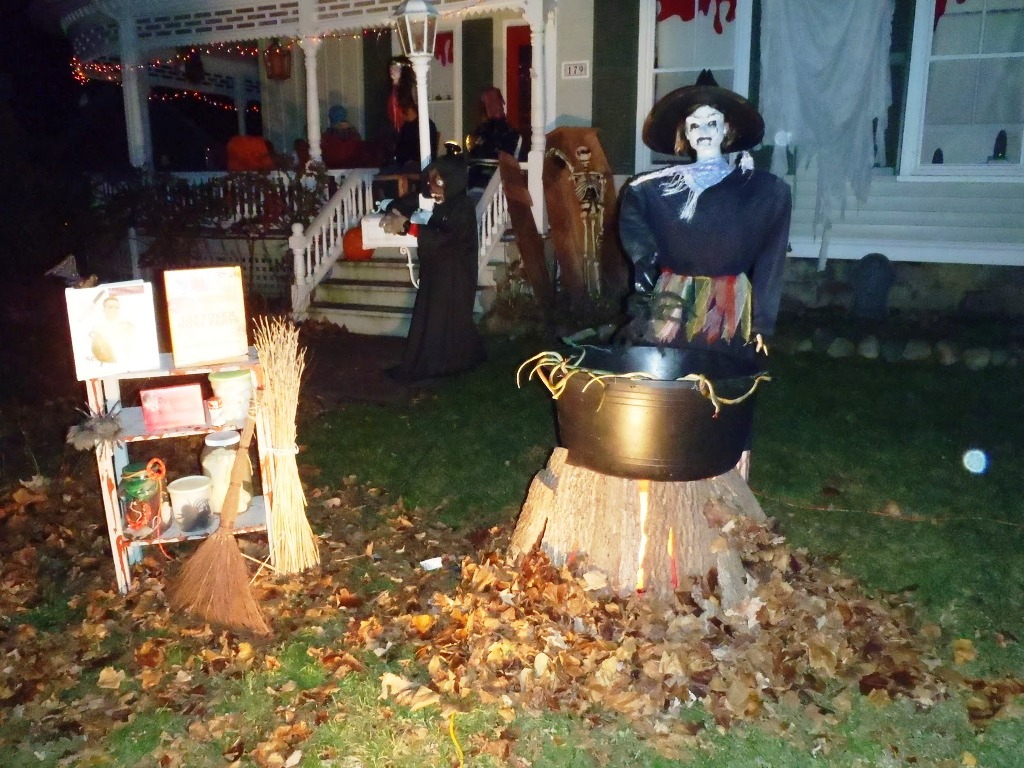 funny outdoor halloween decorations scary skeleton halloween outdoor decor download - Halloween Scary Decorations
