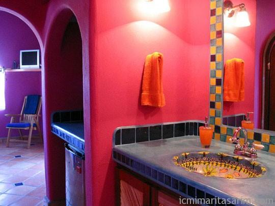 Parlak Ve Renkli Banyo Tasarım Fikirleri (24)