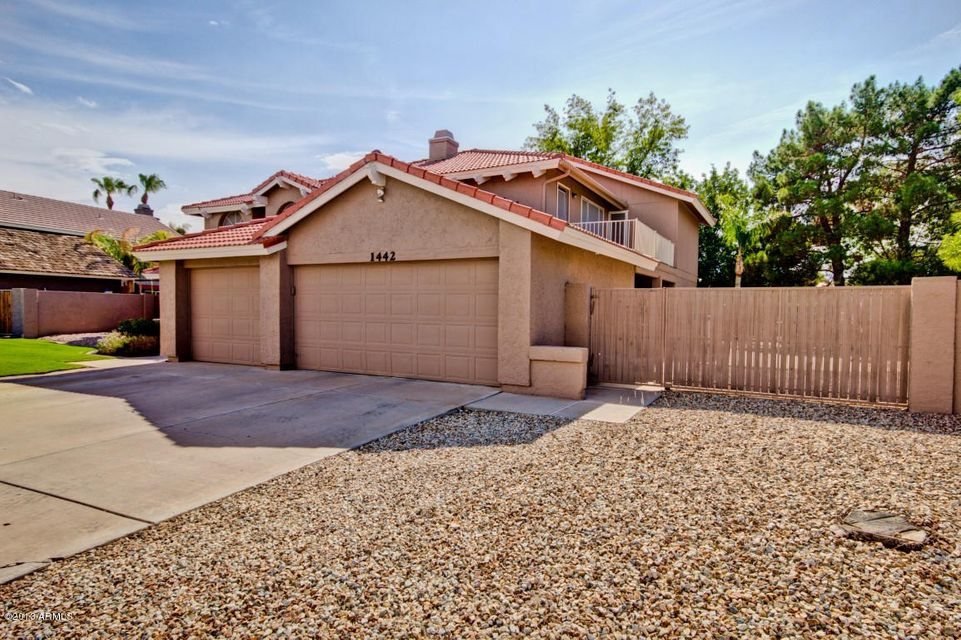 Property for sale at 1442 N Woodside Road, Chandler,  AZ 85224