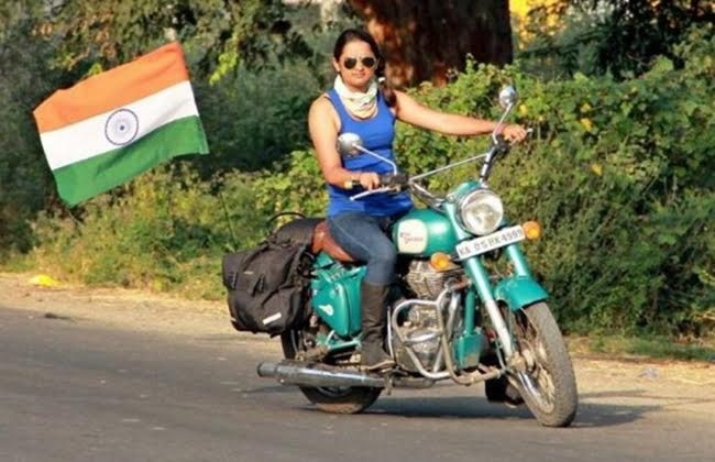 Bullet 350 Hd Wallpaper 7 Female Bike Riding Groups Making The Nation Proud Page 3
