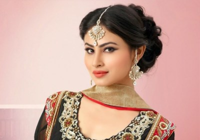 Happy Birthday Mouni Roy: Check out 7 lesser known facts about 'Naagin