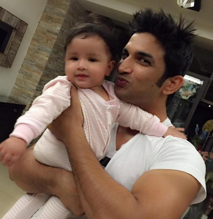 Cute Lovable Couple Wallpapers 20 Lovable Pictures Of Dhoni S Adorable Daughter Ziva You