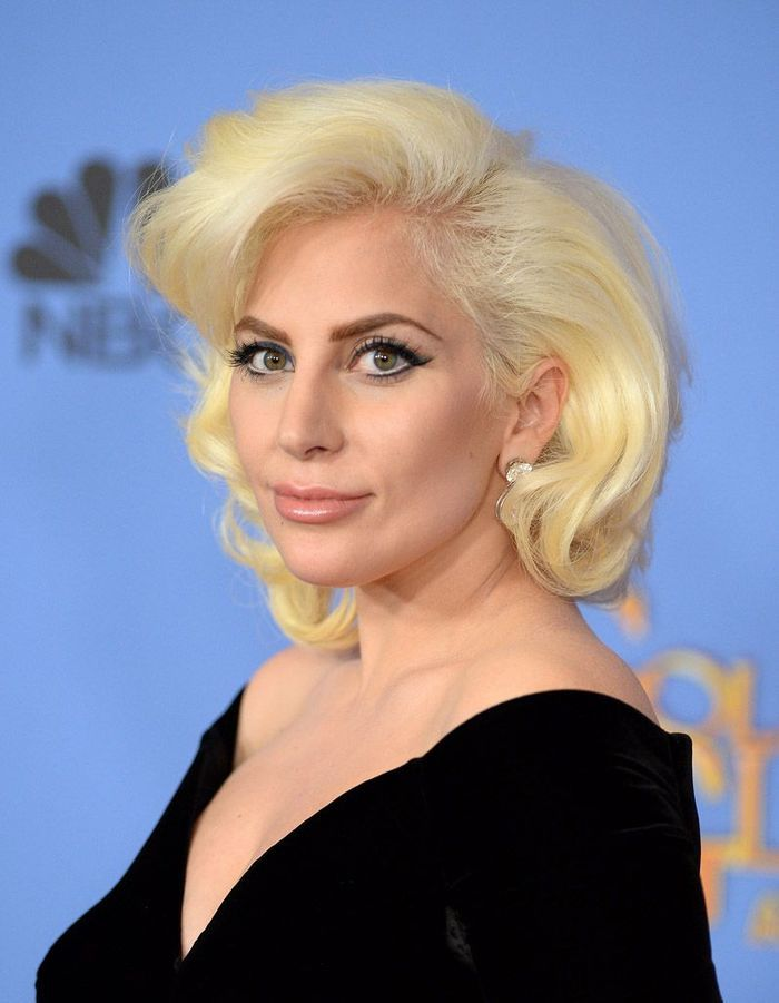 Tapis Ethnique Long Le Carré Vintage De Lady Gaga - Golden Globes 2016 : Qui