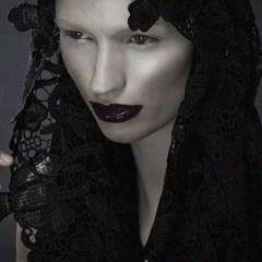 The Lighter Side and Darker Side of Beauty Light – by Lindsay Adler