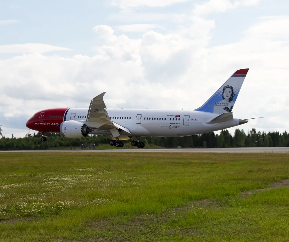 Norwegian Oslo Norwegian S Dreamliner Landed At Oslo Airport Gardermoen This