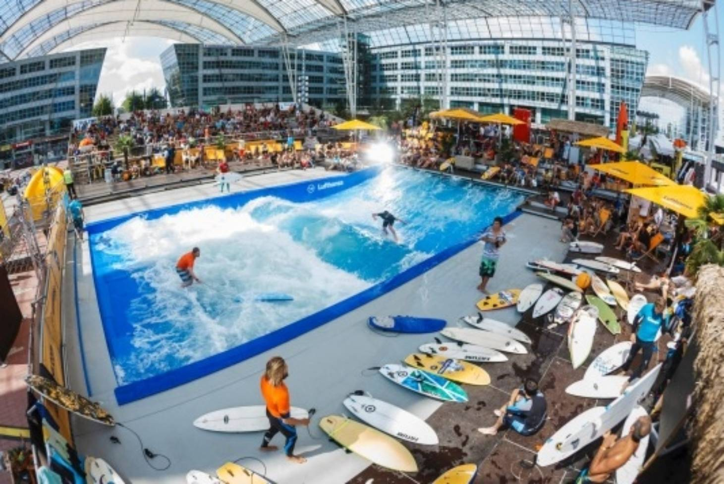 Cash Pool Flughafen München The Greatest European Airport Surf Ice Skate Nap Oh And Fly