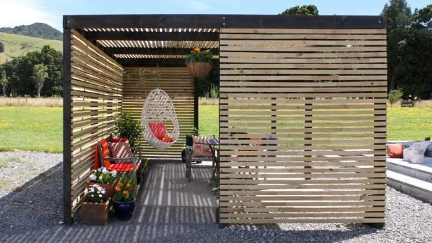 Step By Step To A Diy Garden Pergola Stuffconz