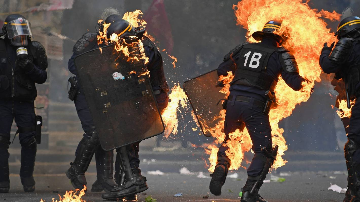 Test 1 Future Jobs Paris Police Fire Tear Gas At Protesters During May Day