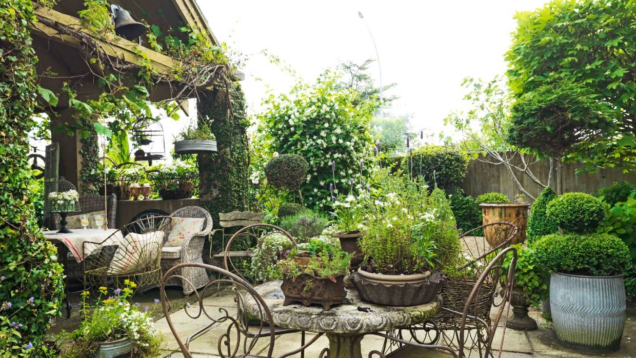 Garden Of The Week French Style Courtyard Stuff Co Nz
