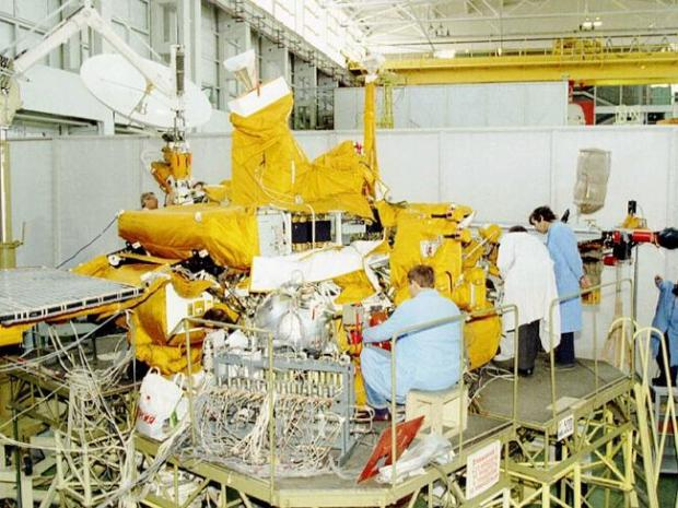 This is a Oct 1996 file photo of the Mars 96 probe in a Moscow plant, a new Russian spacecraft, being checked . AP PHOTO/ITA...