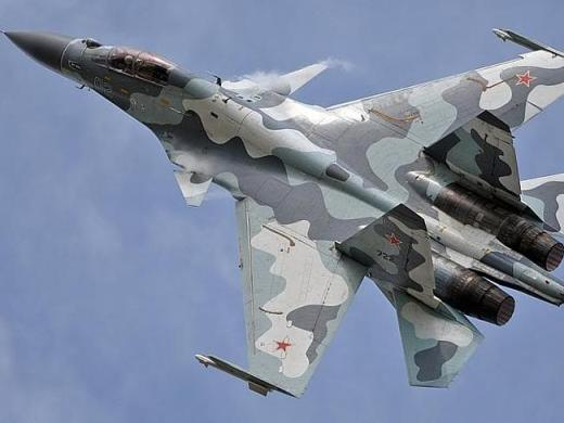Russian warplanes 'attack' NATO ships