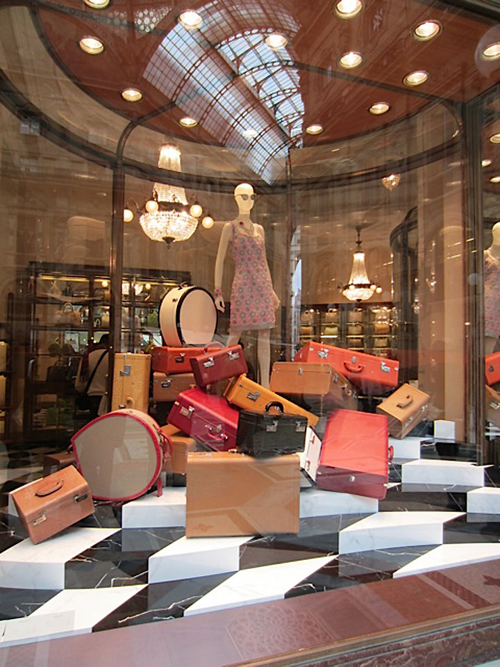 Interior Design Berlin Prada Windows, Milan » Retail Design Blog