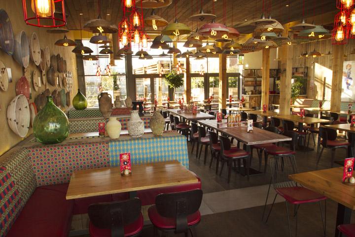 Nando's restaurant by B3 Designers, Leigh – UK