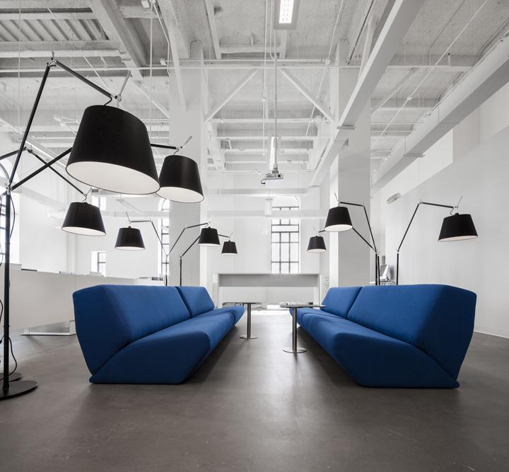 BLUE Communication office by Jean Guy Chabauty  Anne Sophie Goneau