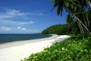 White sand beach on Calicoan Island