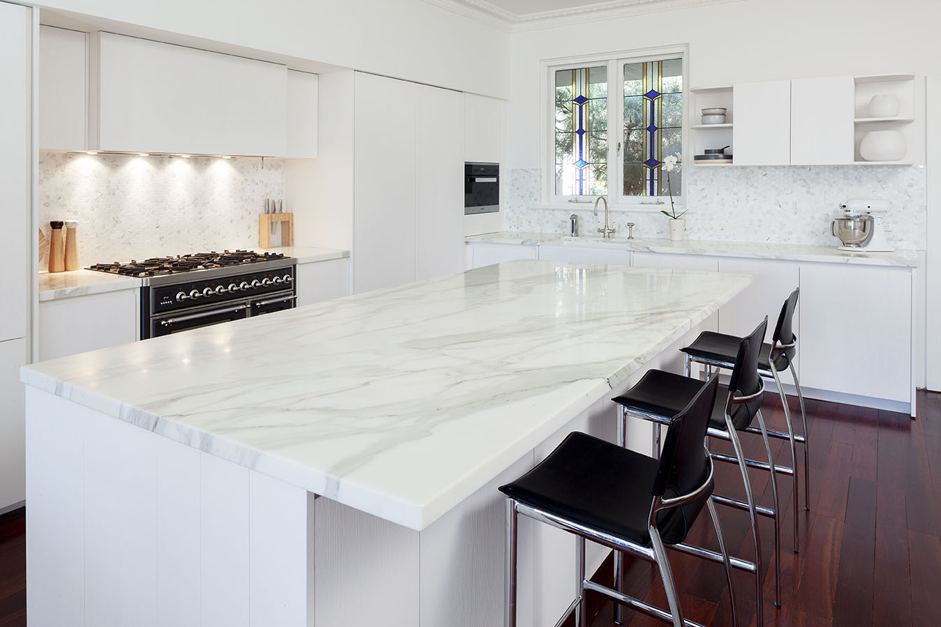 Are Quartz Countertops Natural Or Manmade A Comparison Between Natural And Man Made Benchtop Surfaces