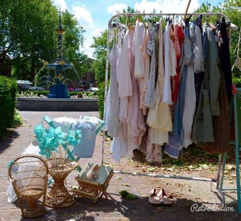 Vintage kleding van Bluebirds in the Backyard